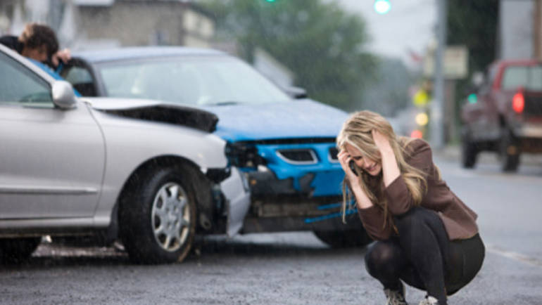 The Do's and Don'ts After a Car Accident